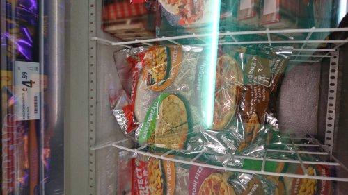 FarmFoods Pepperoni Pizza Garlic Bread Potato Wedges & Cookies £4.99