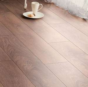 Amadeo Shire Oak Laminate Flooring £7/sqm with 20yr warranty (AC4 toughness rating) £15.54 at B&Q