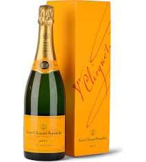 Veuve Clicquot Yellow Label Brut Champagne Gift Box £27.99 @ Co-Op