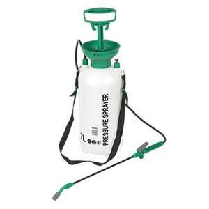 screwfix Great Value Product  GREEN PRESSURE SPRAYER 7LTR £9.99