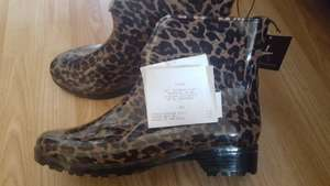 Animal print ankle length wellies £1 At Primark (Manchester)