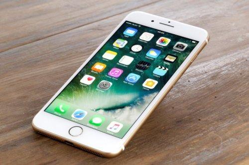 Apple iPhone 7 32GB Sim Free Unlocked Mobile (4 Colour options) £569.89 Delvd @ Costco