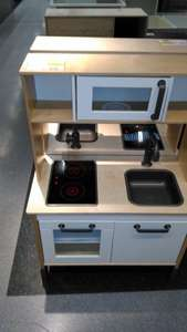 Children's play kitchen in Ikea braehead -  bargain corner £39