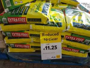 Evergreen 4 in 1 weed and feed £11.25 instore at Tesco Coventry