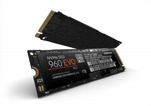Samsung 960 EVO 500GB M.2-2280 PCI-E 3.0 x4 NVMe SSD (R/3200, W/1800) £188.12 @ amazon.de