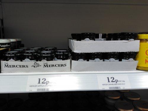 Home Bargains Mercers Apple / Caramelised Onion Chutney Mini Jars 12p