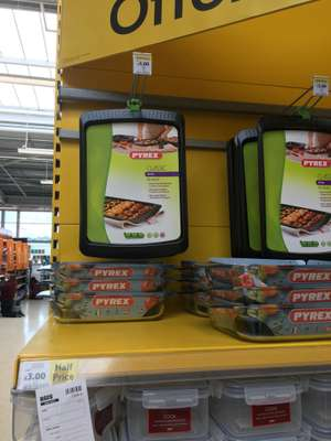 Pyrex Classic Oven Tray or Roaster £3.00 at Tesco in-store