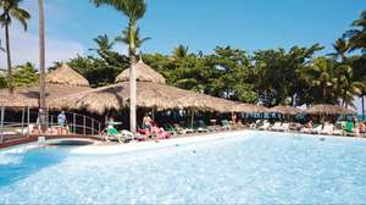 2wks 4* AI Dominican Republic 06 Nov - £680pp via Holiday Pirates