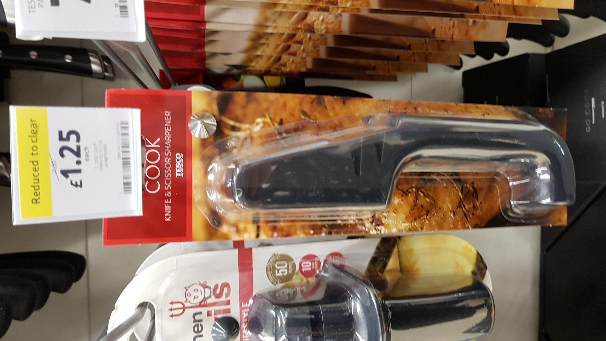 Knife + scissor sharpener tesco instore Stalybridge now 1.25