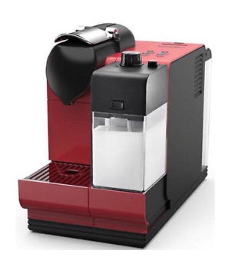 DE LONGHI EN521.R Nespresso Lattissima - Refurbished - £89.76 @ eBay (seller: mayaselectronicsltd)
