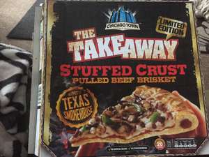 Chicago Town Takeaway Stuffed Crust pizza Pulled Beef Brisket 640g really Large £2.49 @ Heron