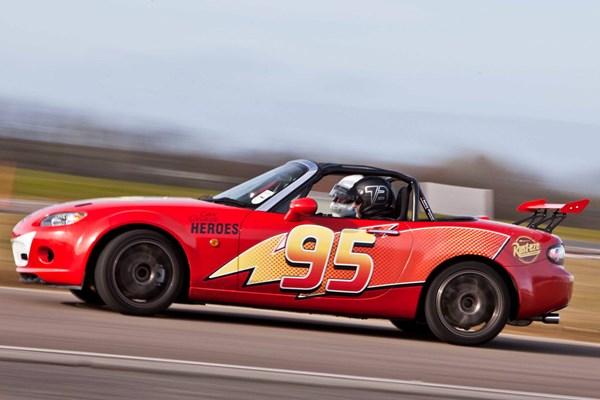 Lightning McQueen Junior Driving Experience £19 - buyagift
