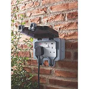 BG 13A 2 Gang Outdoor Switched Socket at Screwfix for £9.99