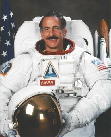 MIT College Course (online) - Introduction to Aerospace Engineering: Astronautics & Human Spaceflight, taught by NASA astronaut, Prof Jeffrey Hoffman