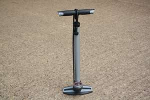 Raleigh Steel Floor Pump With Gauge - Dual Valve - £9.99 Rutland Cycling