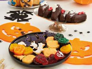 Heat resistance silicon Halloween cake baking / ice cube  moulds £2.49 @ Lidl