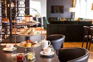 Afternoon Tea for 2 With Bottle Of Bubbly @ Hilton Canary Wharf at Wowcher for £29