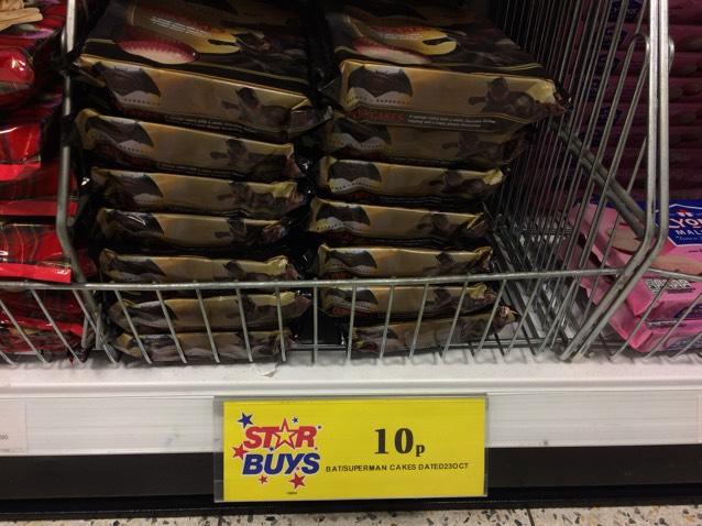 Batman Vs Superman Cupcakes only 10p 6pk @ Home Bargains!