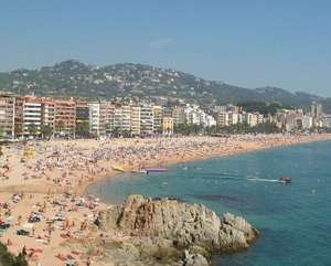 May 2018 Lloret De Mar, 7 nights, family of four, Inc flights and apart hotel, from London Luton £91pp