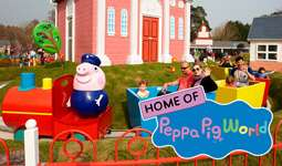 Peppa Pig world - £15 per person valid 11th/12th November