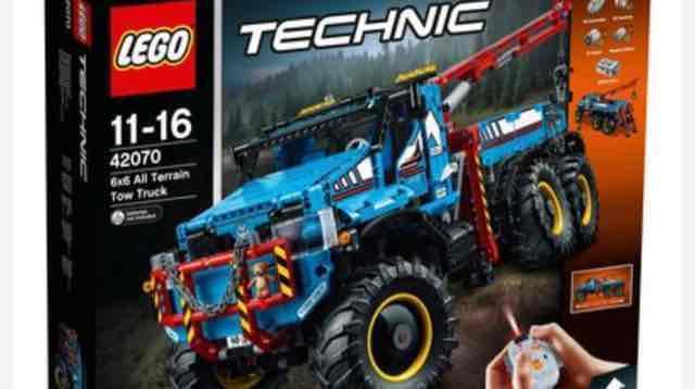 LEGO 42070 Technic 6x6 All Terrain Tow Truck £149.99 at Smyths