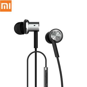 Xiaomi Mi IV Hybrid Earphones Wired Control Headphone with MIC for Android iOS - Silver for £10.81 with code @ GeekBuying