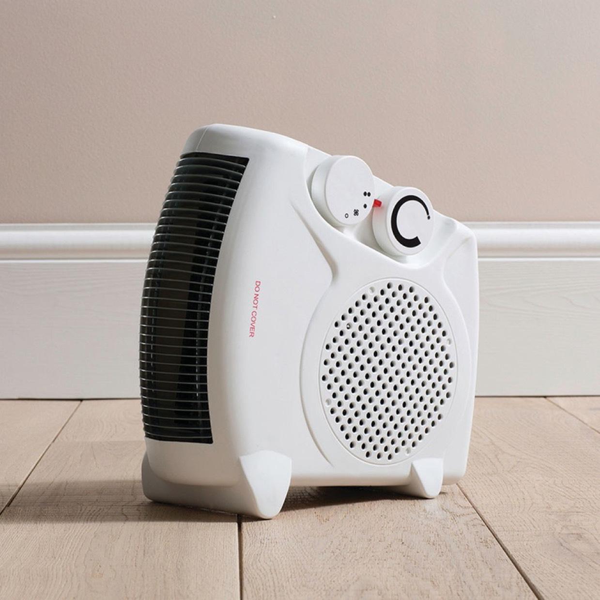 Daewoo 2000W Flat Fan Heater £8.49 (Free C+C) @ Robert Dyas