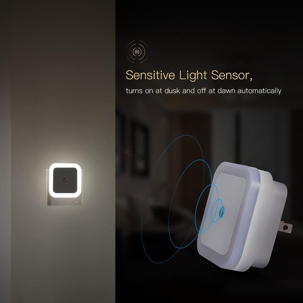 Plug-in LED Night Light Lamp with Smart Light Sensor  - 38p delivered @ Zapals