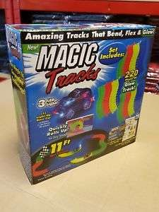MAGIC TRACKS 220 Glow in the Dark LED LIGHT UP RACE CAR Bend Flex Racetrack at ebay/masterproducts07 for £9.97
