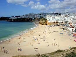 From London: January 1 Week in Portugal Inc Flights, Hotel & Transfers £116.99/£58.49pp @ Alpharooms/Ryanair
