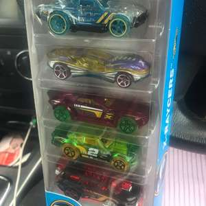 Hot wheels 5 pack £3.48 instore @ Toys R Us