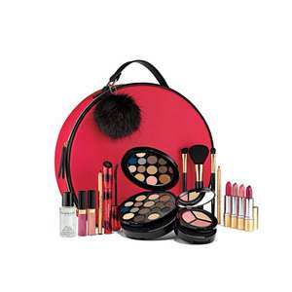 Elizabeth Arden World Of Colour Make Up Gift Set £50.40 @ Escentual code BLACK10