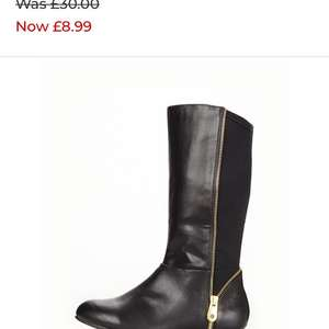 Girls V by Very zip detail boots £6.29  / £10.24 delivered Bargain Crazy
