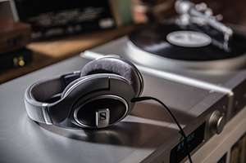 "Amazon PRIME ONLY! --- ""Sennheiser HD 579 Around-Ear Open Back Headphones"" - £64.99 @ Amazon"
