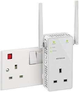 NETGEAR 11AC 1200 Mbps Dual Band Gigabit 802.11ac (300 Mbps + 900 Mbps) Wi-Fi Range Extender with External Antennas and Extra Power Outlet at Amazon for £34.99