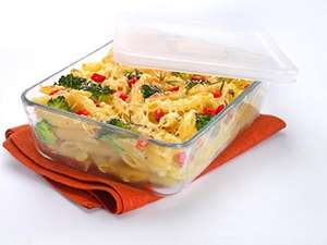 Huge Pyrex Rectangular Dish with Plastic Lid, 4.0L add on item amazon £4 @ Amazon, back on!!