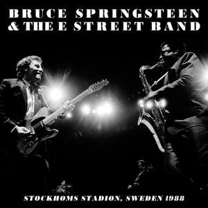 free download of Bruce Springsteen playing Santa Claus Is Coming to Town live