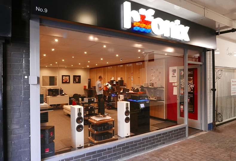 Pioneer VSX-932 £299 @ hifonix instore