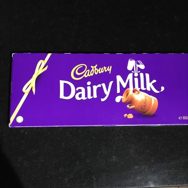 Cadbury's dairy milk chocolate 800g £3.50 instore @ Wilko
