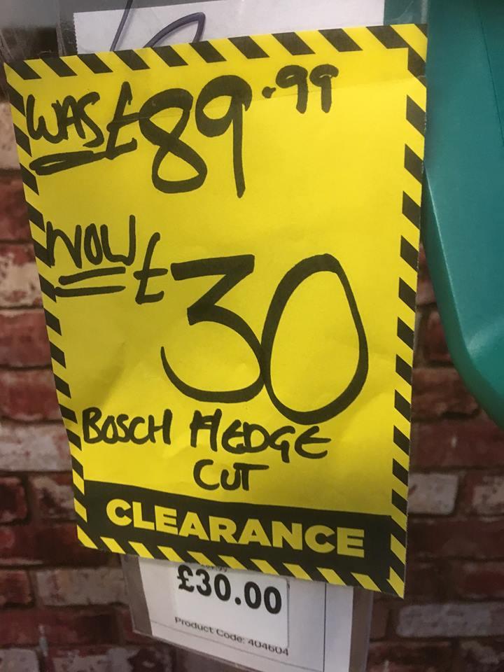 BOSCH EASY CUT HEDGE TRIMMER 12 - 35 @ Homebase £30
