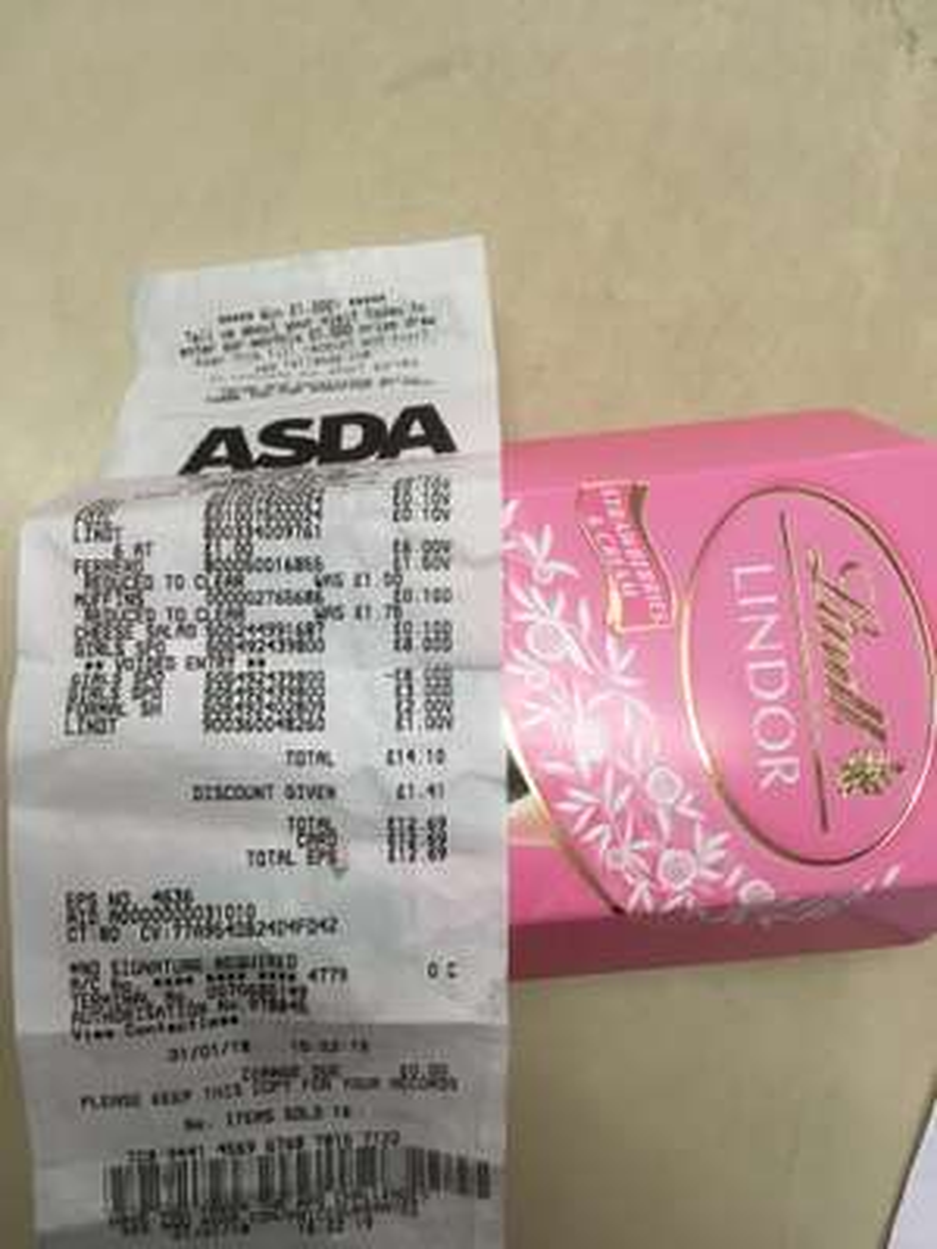 Lindt Lindor strawberry n cream 200g £1.00  at  Asda instore