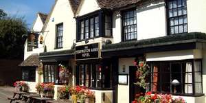 16th-century Oxfordshire inn getaway (Deddington Arms Hotel) £49 per night per couple inc. Full English breakfast / Free Wi-Fi throughout @ Travel Zoo