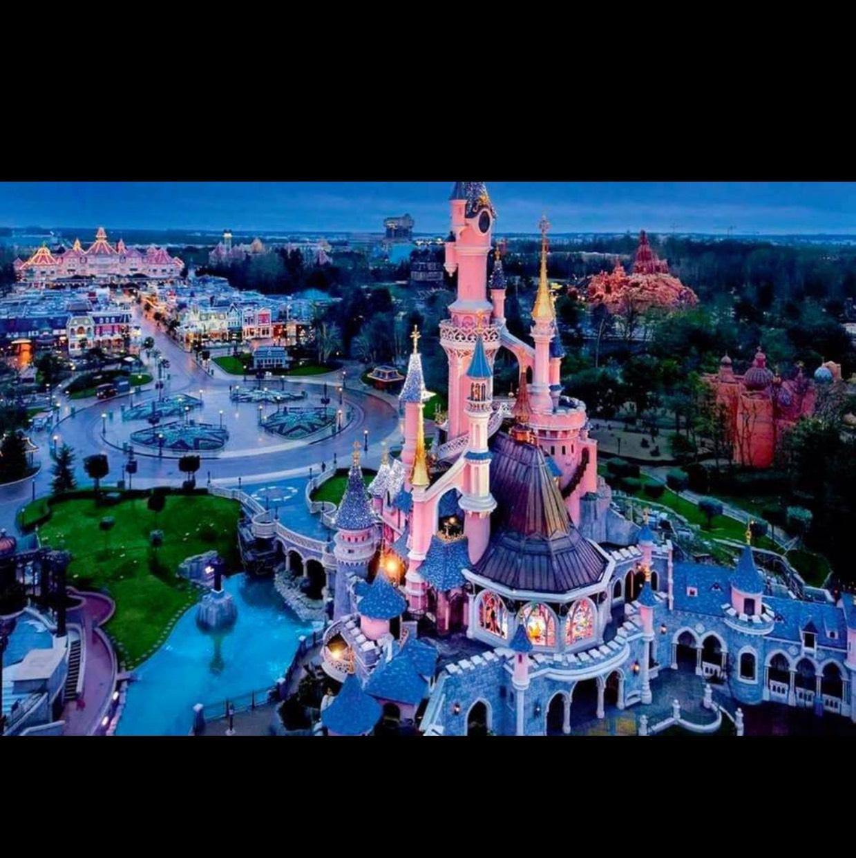 Disneyland Paris 2-4 nights from £135.00 jan-may £135pp @ Holiday pirates