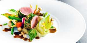 2-AA-Rosette meal for 2 with bubbly in Cheshire for £32 @ Travelzoo