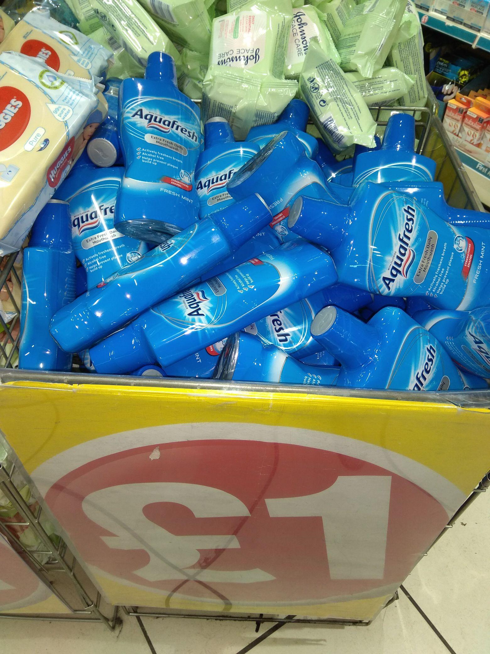 Aquafresh 500ml mouthwash - £1 @ Poundland