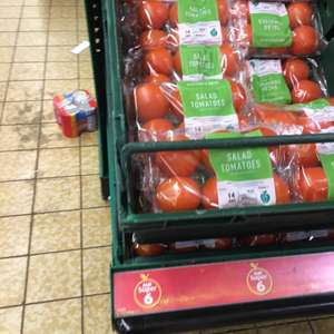 Salad tomatoes in Aldi for 39p