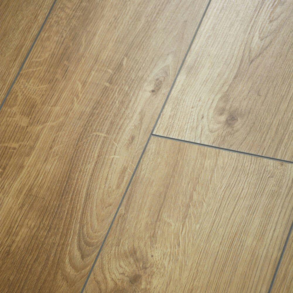 Krono Original Vario 8mm Sherwood Oak 4V Groove Laminate Flooring (5985) - £4.99  +£35.00 shipping @ Leader Stores