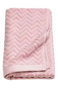 Jacquard-patterned bath towel £8.99 / £3.99 c&c / del @ H&M