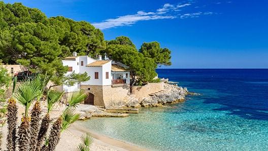 £100.50 pp, 7 nights Kefalonia, Greece 3* Hotel+Flight From London, 12-19 April 2018 @travelrepublic