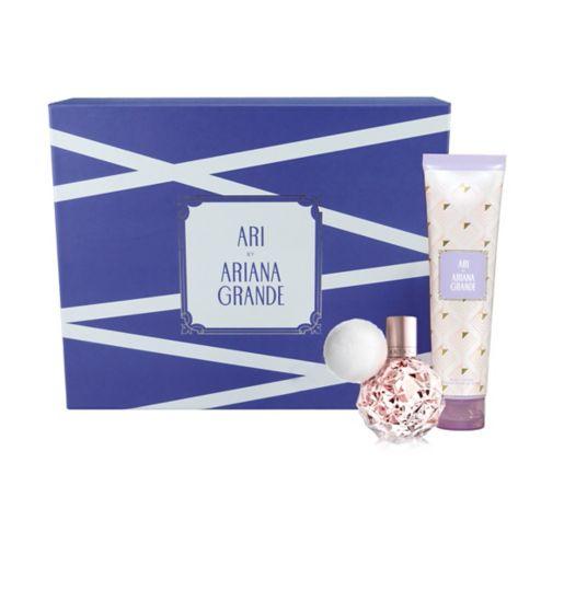 Ariana Grande Ari Eau de Parfum 30ml Gift Set £11.50 @ Boots